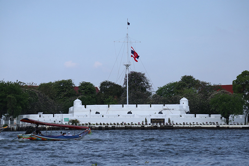 Wichai Prasit Fort, formerly known as 'Wichaiyen Fort', is now part of Thonburi Palace