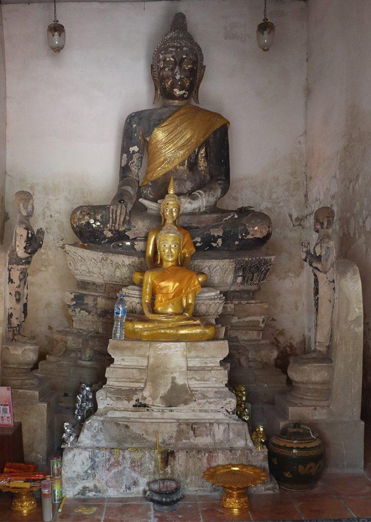 Buddha images at Wat Sing