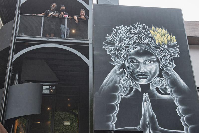 Los Atico's Art on the W alls